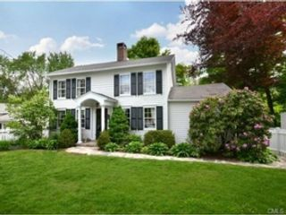 4 BR,  3.50 BTH  Colonial style home in New Canaan